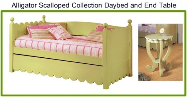 Alligator Scalloped daybed and end table