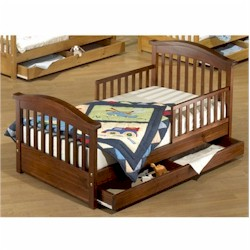 Oak Joel Pine Toddler Bed by Sorelle